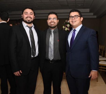 Carlos Dávila, Juan Ortíz y Alejandro Dávila