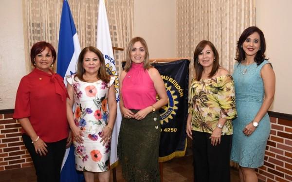 Club Rotario Merendón juramentación de 3 nuevas socias en noviembre de 2019.