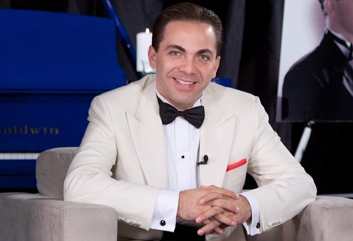 Cristian Castro confirma romance con una joven colombiana