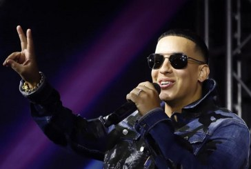 Daddy Yankee recibe baño de champán (+ video)