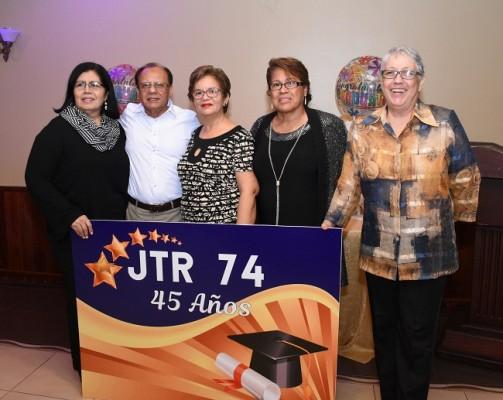 Dora Bobadilla, Julio Rodríguez, Martha Mejía, María Fernanda Enamorado y Maggie Caraccioli