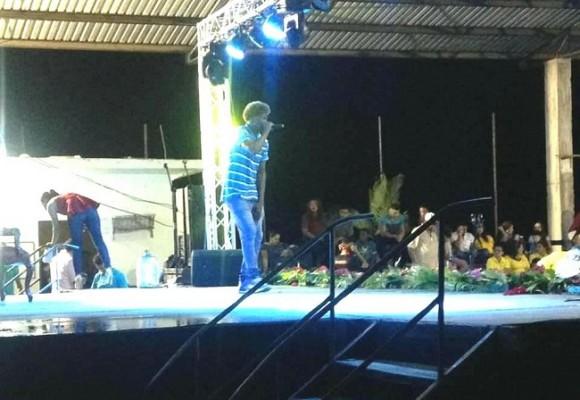 El cantante hondureño El Buay será el encargado de la parte musical del Teen Universe Honduras este sábado...