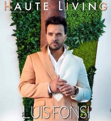 """El diseñador hondureño Carlos Campos, fue el encargado de vestir a al reconocido cantante de """"Despacito"""" Luis Fonsi, para la más reciente portada de la revista Haute Living."""