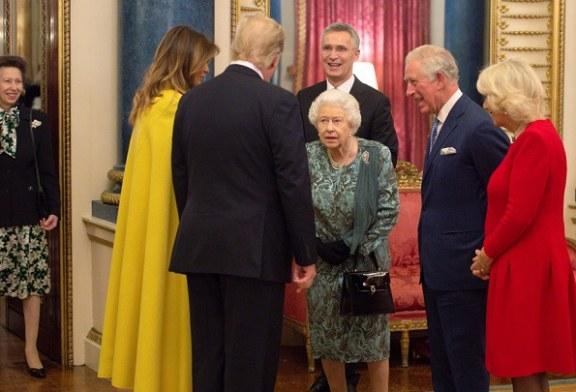 El regaño de la reina Isabel II a su hija por no saludar a Trump se volvió viral
