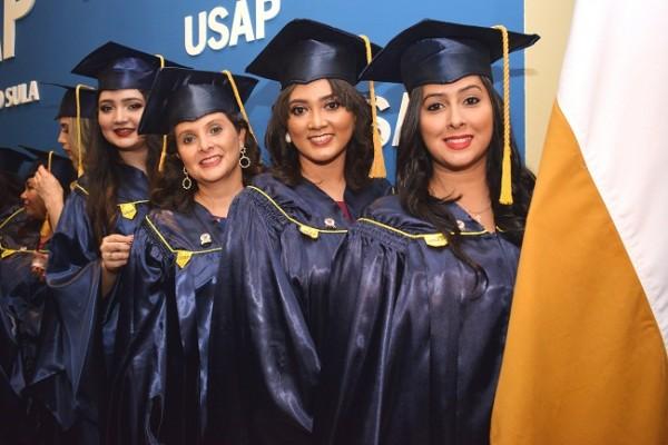 Ingrid Mercado, Diana Torres, Alejandra Guifarro y Claudia Membreño.