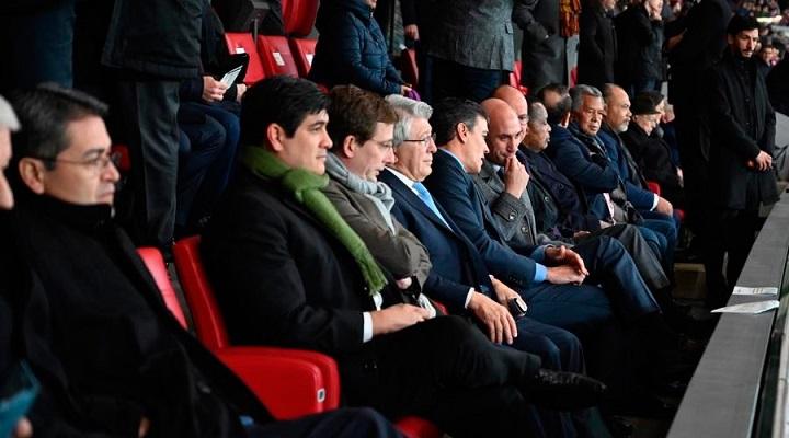 Presidente del Gobierno de España invita al mandatario hondureño a presenciar partido Atlético de Madrid-Barcelona
