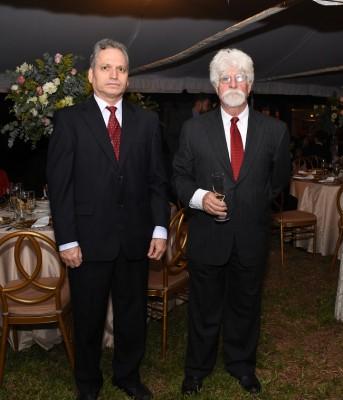 José Morales y el padre del novio, Raúl Arechavala