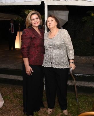 Katherine Ordóñez y Juana Paredes