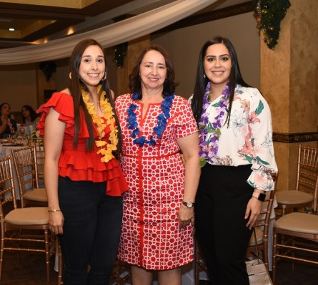 Kathy Pineda, Reina de Pineda y Carmen Díaz