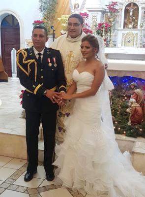 Muy comentada en la capital la boda del vocero de FUSINA, José Coello con la comunicadora Saraí Espinal.
