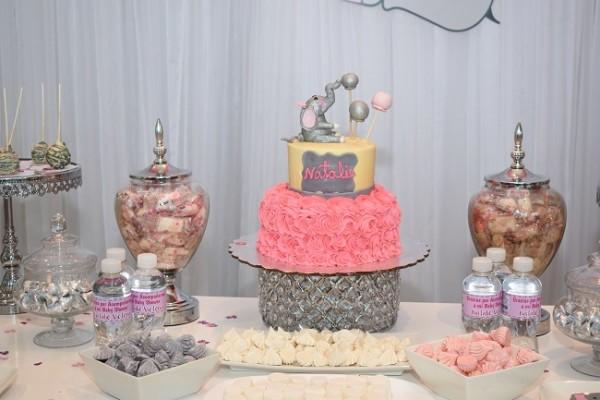 La delicada decoración fue la sensación de la fiesta prenatal, donde la agasajada y sus invitadas disf
