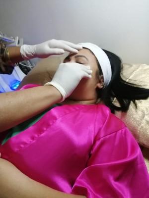 La guapa Isabel Caballero abrió un fabuloso centro de masajes que son la sensación de todas las féminas del pueblo y hasta de los caballeros... Isa Spa Center está revolucionando con sus masajes faciales y corporales...en la próxima les doy más detalles...