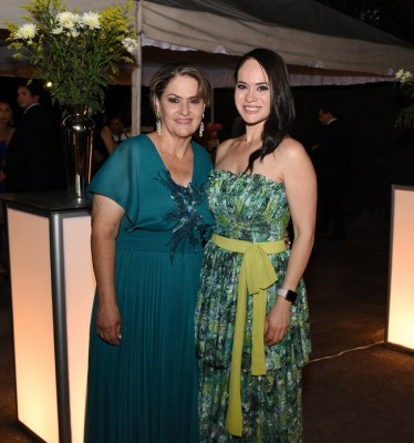 La madre de la novia, Reina García y su hija, Karla Castañeda