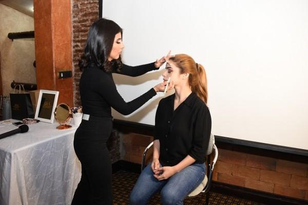 La modelo Gisselle Cerrato, fue maquillada por la profesional exclusiva de AVA Company, Nery Perdomo