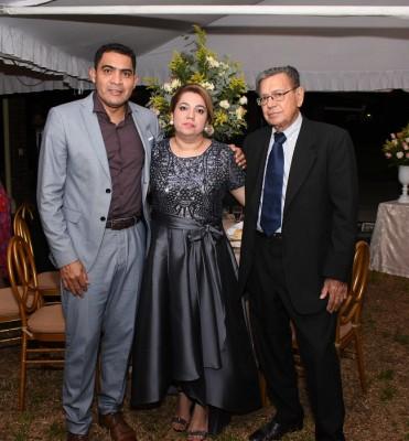 Lincoln Cardosa, Berenice Paredes e Ildefonso Paredes