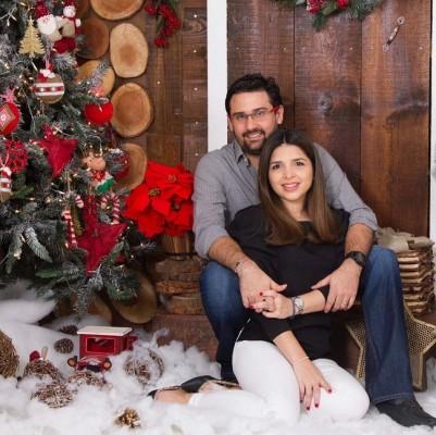 Linda imagen de Carlos Alberto Pineda y Claudia Colindres-Pineda