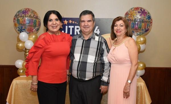 Los organizadores del reencuentro, Leda Jordán, Ramón Sagastume y Martha Pineda
