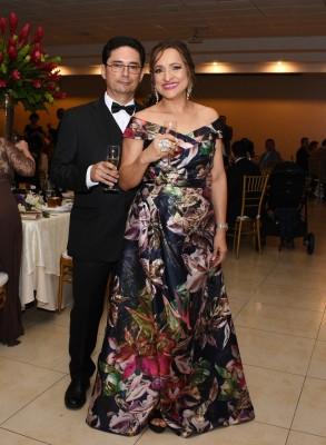 Los padres de la novia, Gerardo Amaya y Reyna Yaeggy de Amaya