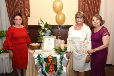 """""""Las pericas"""" celebran su 50 aniversario de graduación"""
