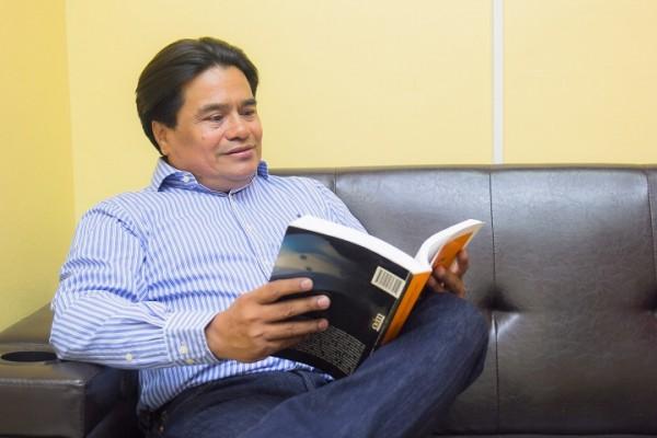 Marlon Rodríguez ejemplo de superación: de maestro rural ha destacado profesional del derecho