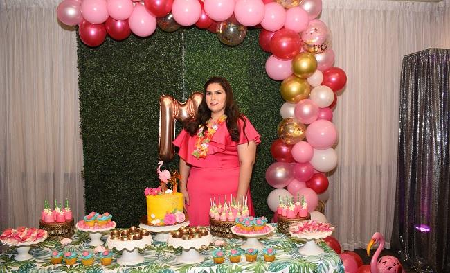 Despidiendo la soltería de Melanie Segurado Diek al estilo tropical flamingo