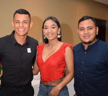 Nicolás Puentes, Natali Medrano y Said Chávez