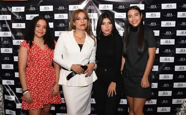 Parte del equipo de AVA Company, Gracia Matamoros, Karla Andrade, Nery Perdomo y Daniela Matamoros