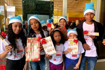 Colaboradores de Publicom llevan la alegría de la Navidad a pequeños pacientes del Hospital María