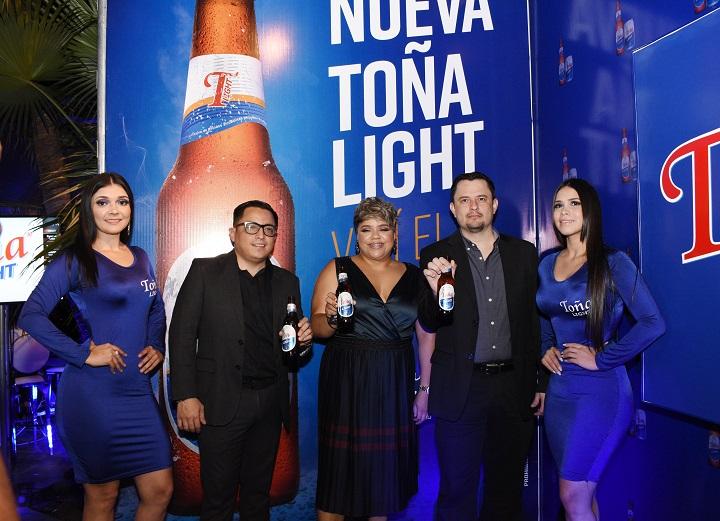 En elegante lanzamiento presentan al mercado hondureño la nueva Toña Light