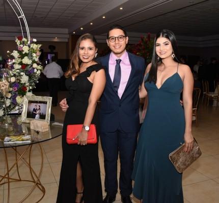 Valerie Fajardo, Carlos Rivera y Paola Márquez