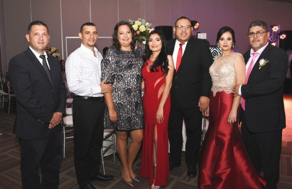 Álvaro Vijil, Juan Carlos Villatoro, Rina Ramírez, Paula Juárez, Melvin Zelaya, Minelly Andino y Marel Medina.