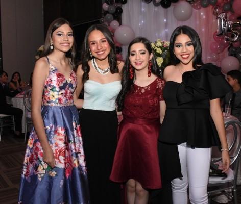 Alexandra Bodden, Claudia Sagastume, Mily Pérez y Alejandra Cerrato