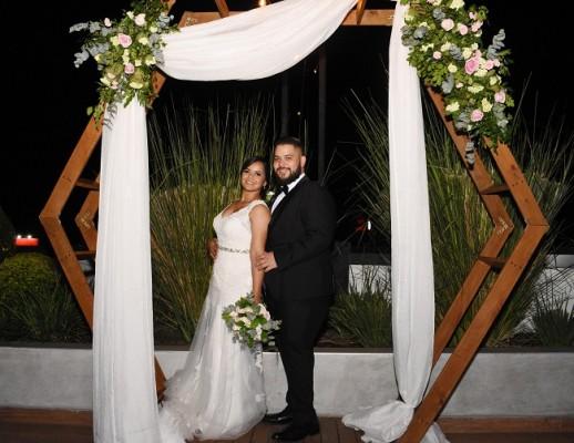 Andrea Sabillón y Nelson Valladares planean disfrutar oportunamente de su luna de miel en un viaje a Punta Cana, República Dominicana.