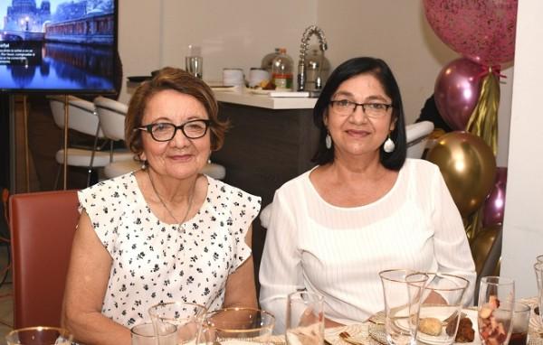 Arely Rivera y Ondina García de Ávila