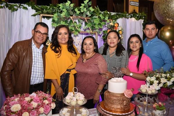 Carlos Lara, Melania de Palada, Isabel Lara, Rudy Garmendia, Norma y Wilmer Molina