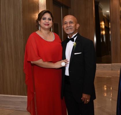 Cinthya Sosa y el padre del novio, Jorge Mejía