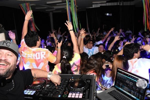 La mejor música estuvo a disposición de todos con el show de DJ Allan Vallecillo