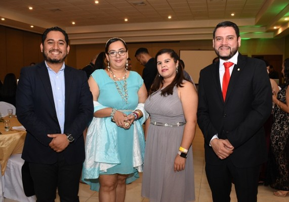David Roque, Katharine Espinal, Yulissa Pérez y Ricardo Paredes