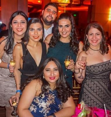 Disfrutando de la fiesta de fin de año en el Club Hondureño Árabe
