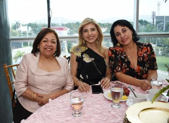 Doris Rivera, Jessica de Bendeck y Azucena Castellanos