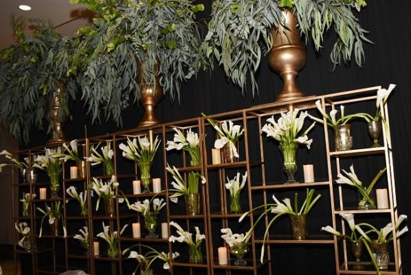 El bar fue uno de los rincones que logró transmitir la más fascinante y romántica armonización con detalles en dorado.
