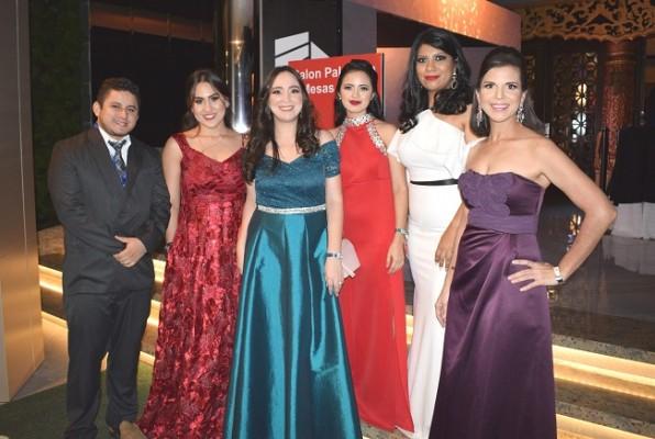 El personal del Club Hondureño Árabe en una imagen para Farah La Revista.