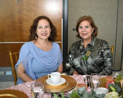 Elda de Echeverri y Cynthia Nasser