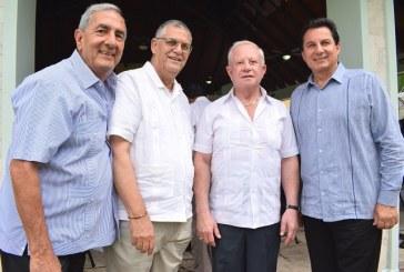 """""""Grupo Amigos"""" de don Roger Valladares celebra su cumpleaños"""