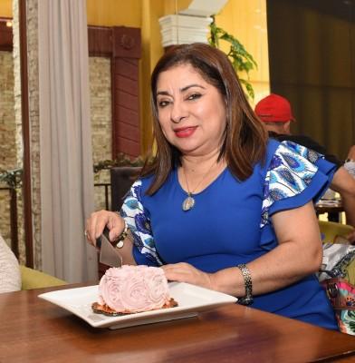 Ester Amaya-Chicha y Limón