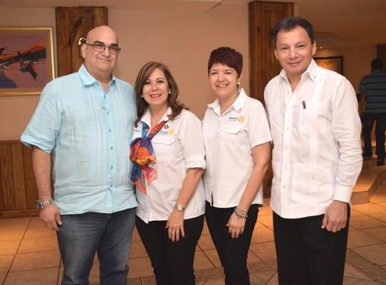 Jorge Interiano, Ena Interiano, Nadina Alvarenga y Julio Ávila.