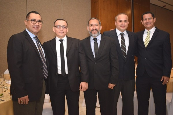 Leonel Molina, Raúl Nehring, Mauricio Marquéz, Josué Roura y Marvin Lara.