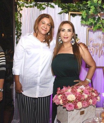 Lesly Bú y Dina Toditos de Morales