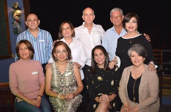 Los egresados del Instituto Pablo Menzel que asistieron al festejo.
