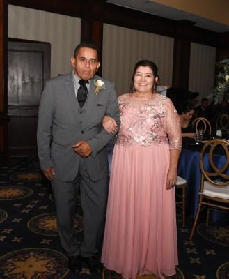 Los padres de la novia, Reynaldo Castro y Marilyn Flores